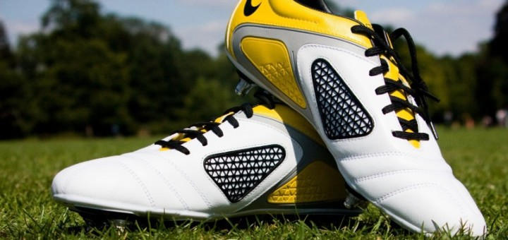 cleats-shoes-football-grass-2177